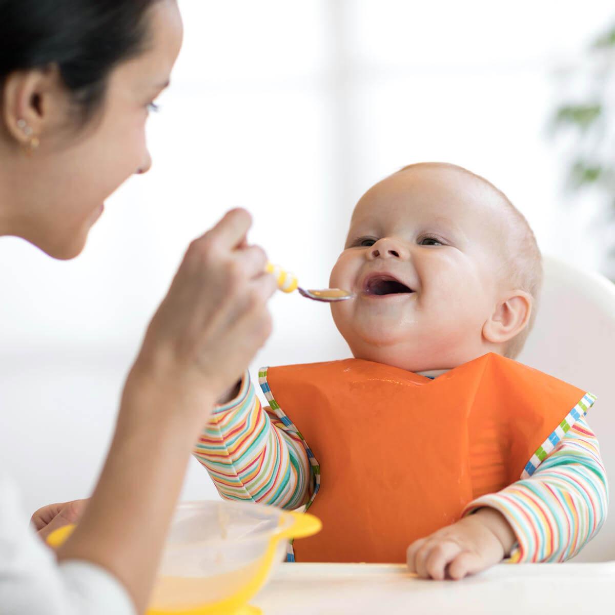 شروع غذای کمکی کودک (فیلم)