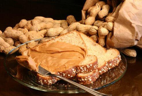 کره بادام زمینی غذای مقوی برای کودک