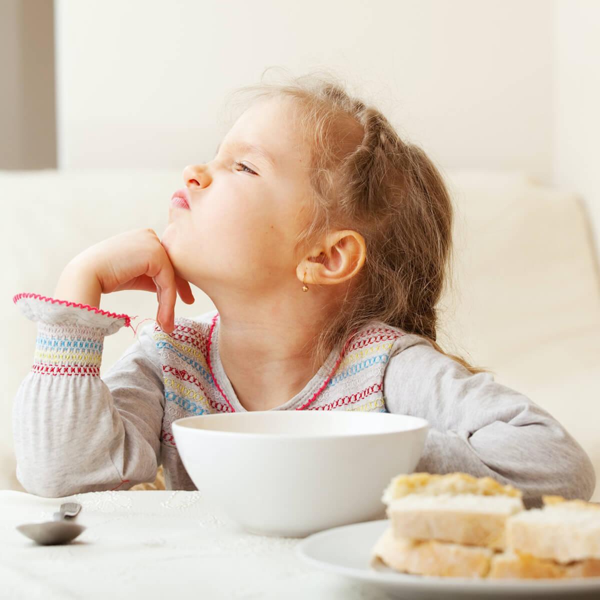 عوامل بی اشتهایی و کاهش اشتها در کودکان