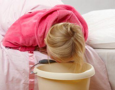 مسمومیت غذایی در کودکان
